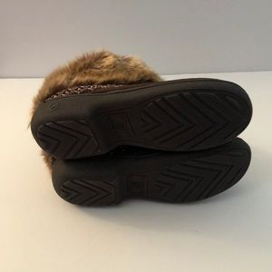 isotoner Shoes - Women's Brown Isotoner slippers